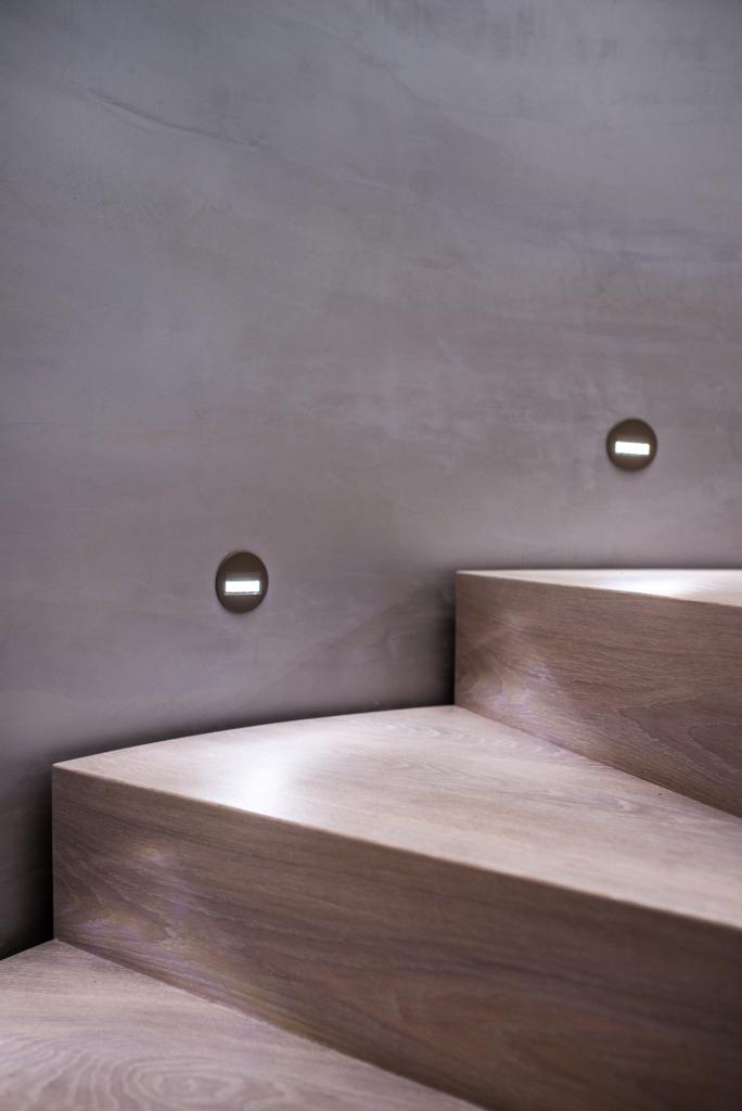 Moderne Holztreppe Mit Treppengelander Aus Glas Broda