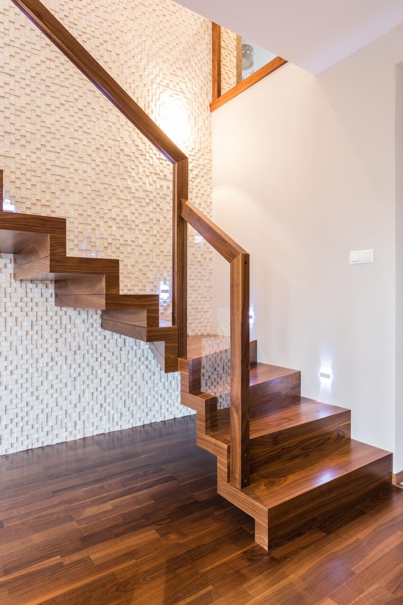 W superbly Balustrada drewniana - klasyka czy nowoczesność? Oferta LH77