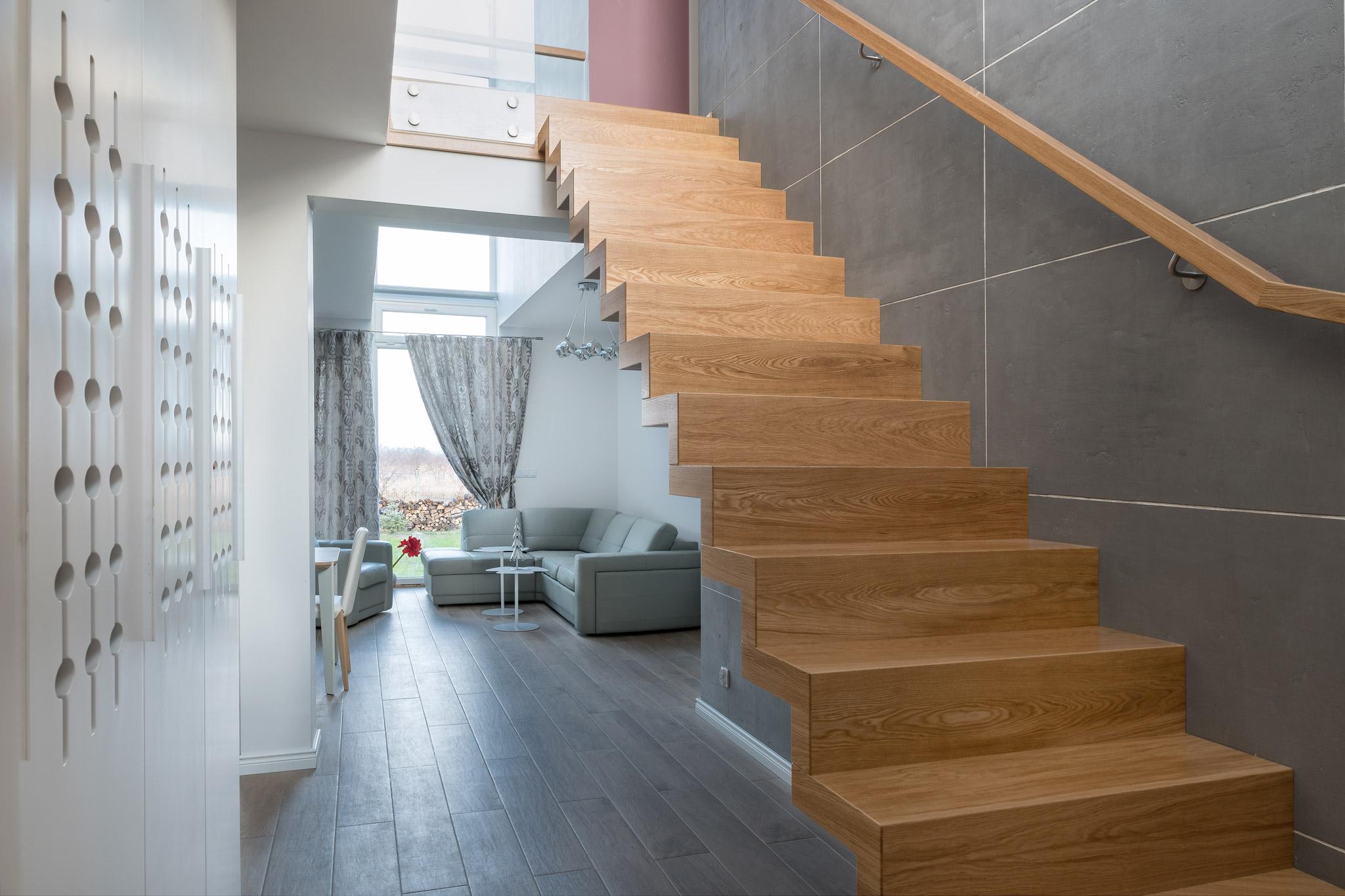 Świeże Projekty schodów drewnianych - na co zwrócić uwagę? | BRODA EB98